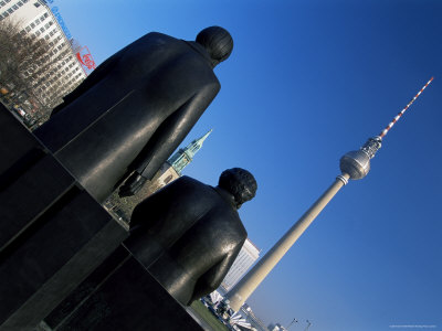 252-5635statues-of-marx-and-engels-with-tv-tower-or-fernsehturm-beyond-berlin-germany-posters.jpg